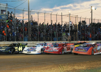 Wayne County 4-wide in 2017