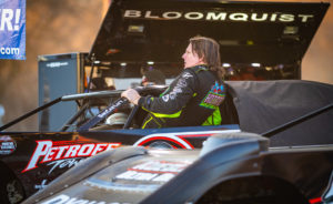 Bloomquist prepares for the race