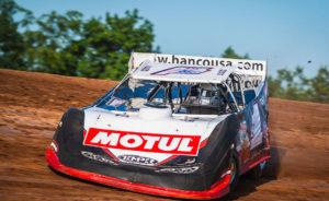 Brent Larson rips around Lernerville