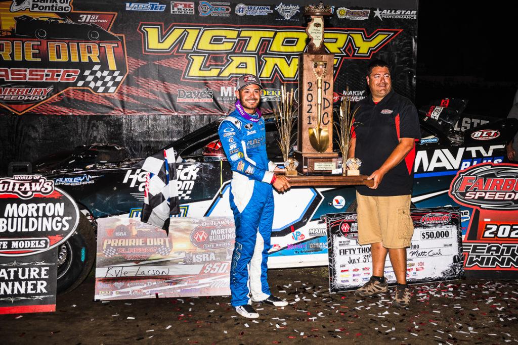 Kyle Larson wins the Prairie Dirt Classic